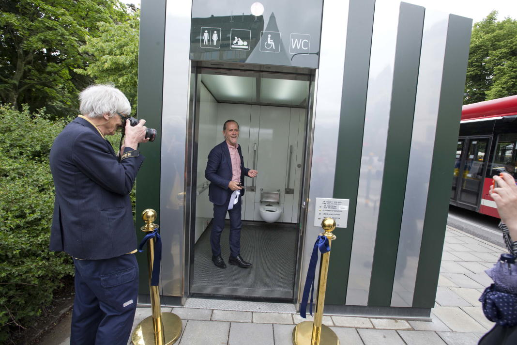 New 42 Free Self Cleaning Public Toilets In Stockholm