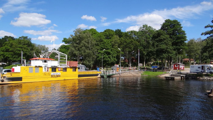 Bolmsöleden road ferry in Småland