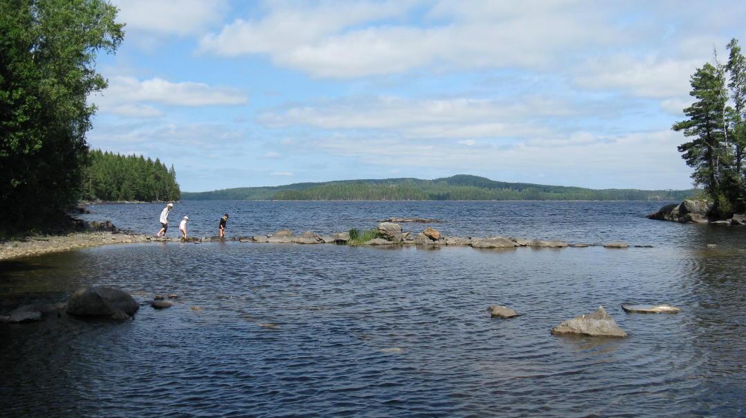 V 228 Rmland From Lake V 228 Nern To The Mountains Swedentips Se