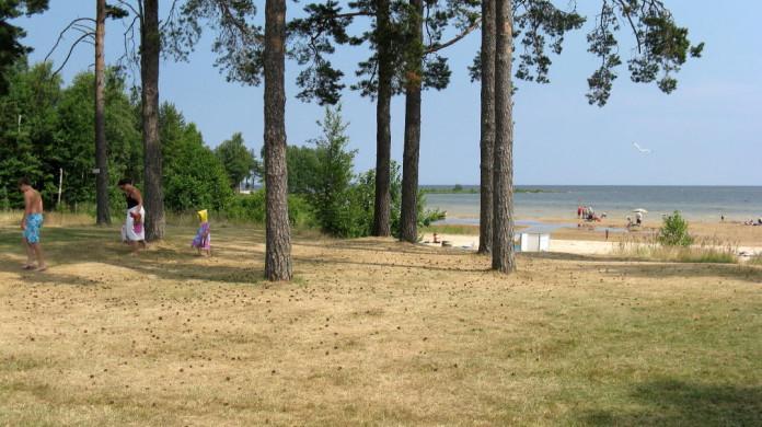 Lake Vänern at the Vita Sannar campsite in Mellerud