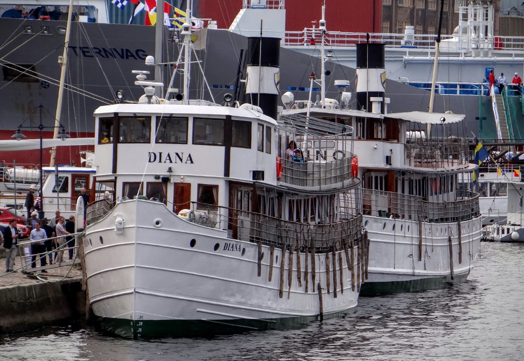 M/S Diana and M/S Juno in Gothenburg