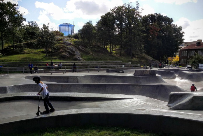 Free outdoor skatepark in central Gothenburg