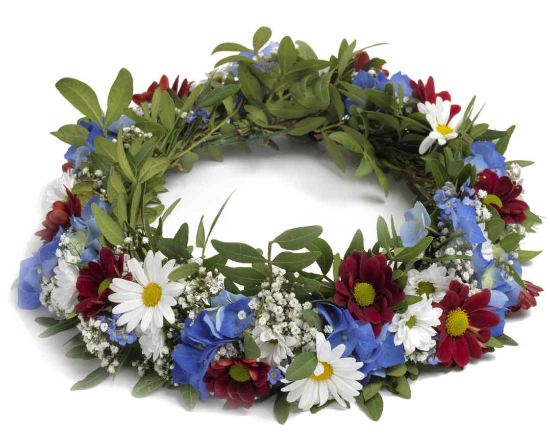 Make Your Own Swedish Midsummer Wreath In 5 Steps Swedentips Se