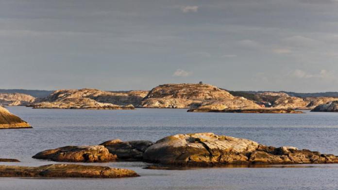 Sea kayaking in Bohuslän