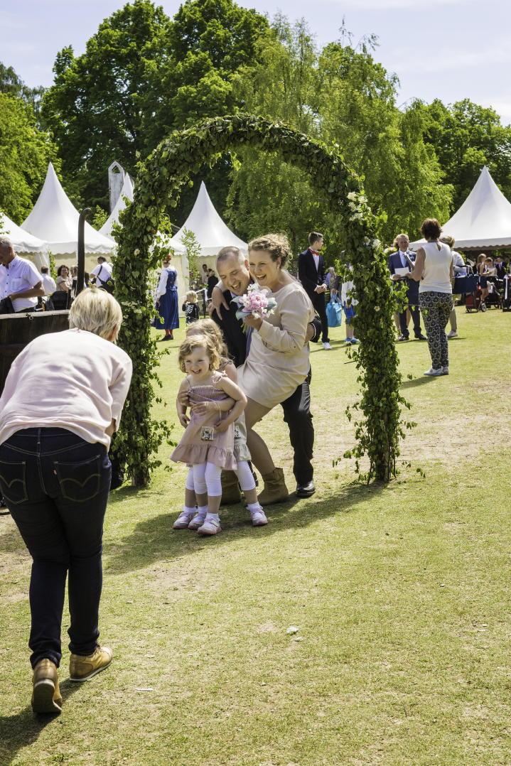 Drop-in wedding at Skansen in Stockholm
